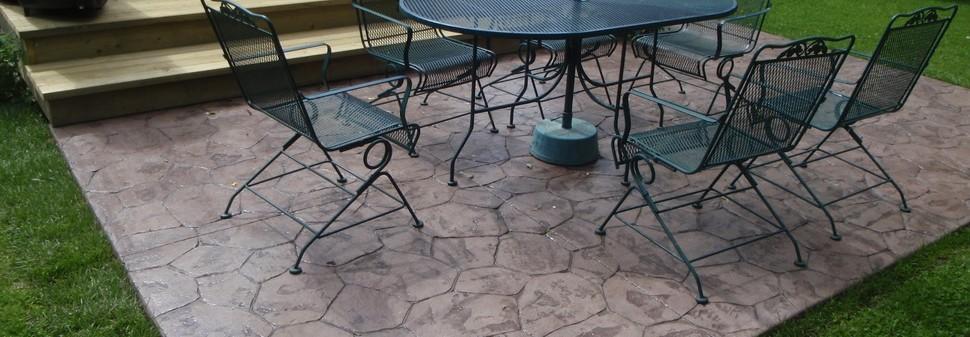 Ce este betonul colorat? Care sunt caracteristicile sale?
