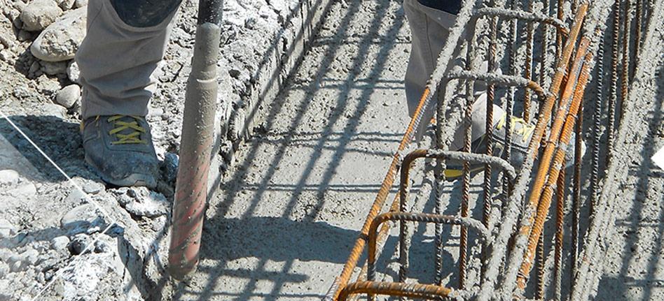 vibrarea betonului la fundatie