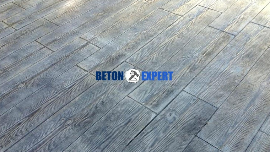 beton amprentat imitatie blana lemn