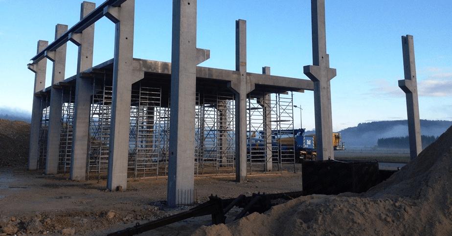 stalpi prefabricati din beton cu armatura de fier